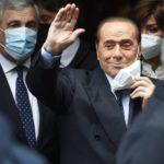 Berlusconi plaude al discorso di Draghi in Senato