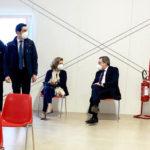 Covid. Mario Draghi e la moglie vaccinati con AstraZeneca