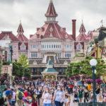 Tornano i visitatori a Disneyland Paris, il parco riapre