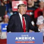 """Trump: """"Covid usato per rubare elezioni, nel 2022 torneremo"""""""
