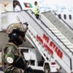 Talebani danno via libera partenza 200 stranieri da Kabul